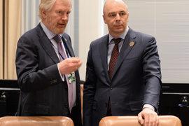 Замминистра финансов Сергей Сторчак (слева) и министр финансов Антон Силуанов (справа) решили, что депозиты нужнее бюджету