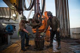 Американские производители сланцевой нефти увеличивают инвестиции в бурение