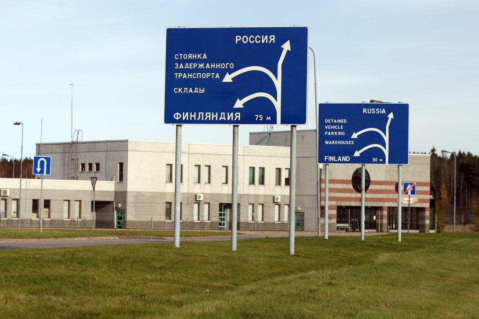 У Финляндии граница с Россией протяженностью 1300 км
