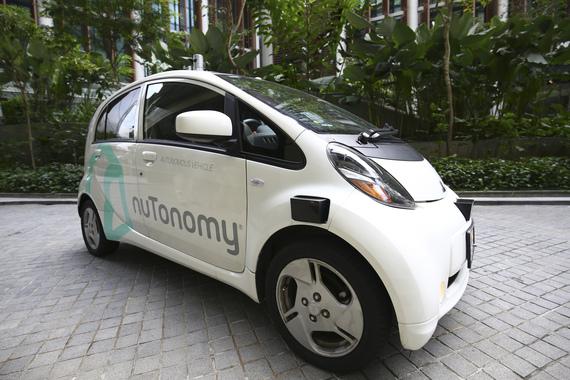 normal 15v6 Сингапур первым в мире вывел на линию самоуправляемые такси