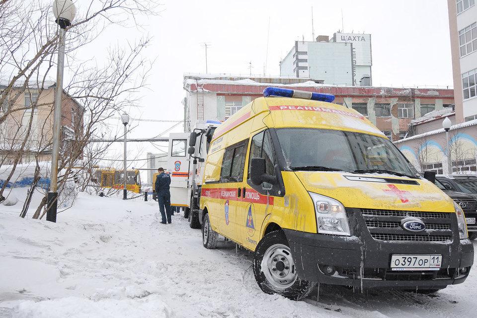 Вице-премьер Аркадий Дворкович назвал возможные причины трагедии на шахте «Северная» в Воркуте, где погибло 36 человек. И это не только природные факторы