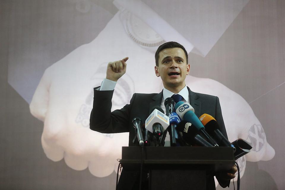 Илья Яшин представил доклад «Партия «Криминальная Россия»