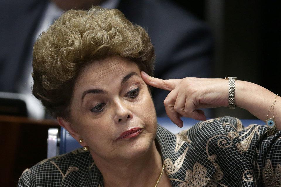Президенту Бразилии Руссефф объявлен импичмент