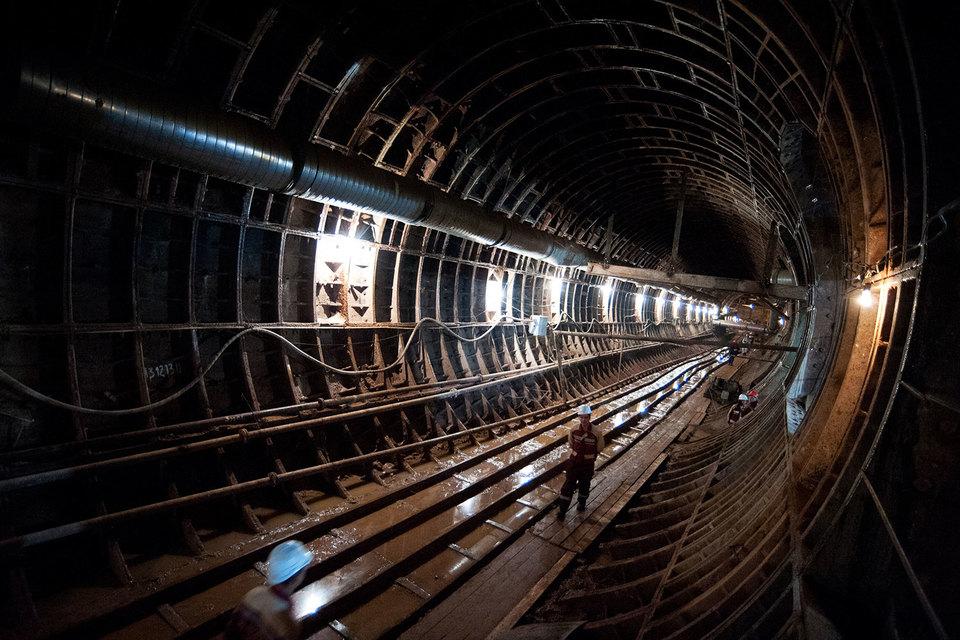 Стоимость строительства московского метро выросла почти в 1,5 раза – с 900 млрд до 1,3 трлн руб. Уже потрачено более 0,5 трлн руб.