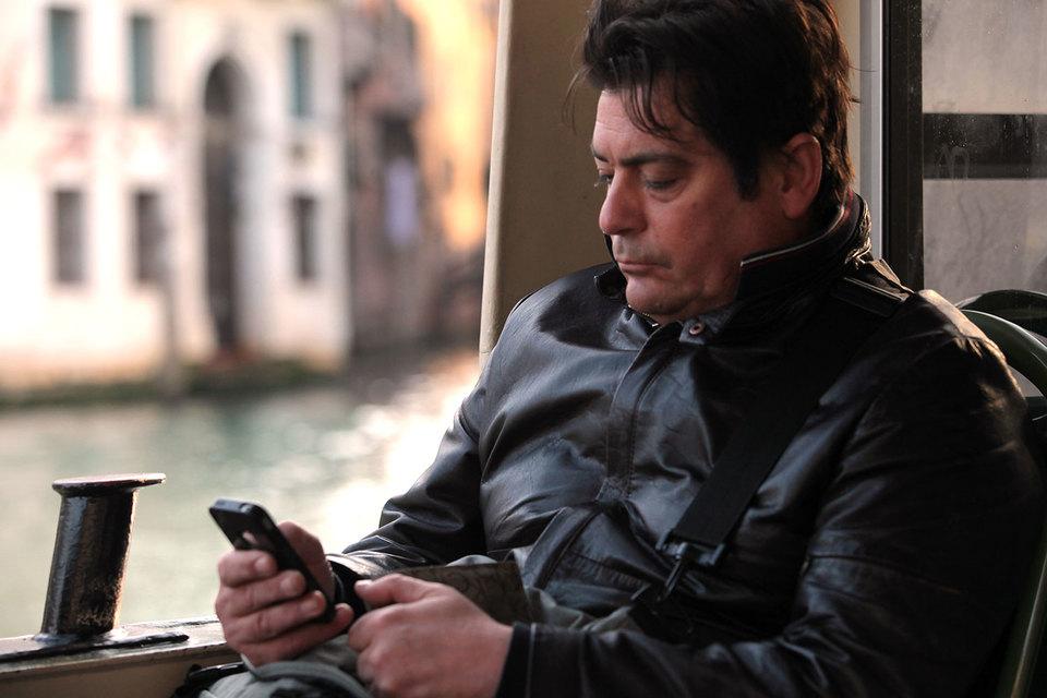 Мобильные приложения для отключения рекламы на смартфонах пользуются огромным спросом у потребителей, жалующихся на назойливость и ресурсоемкость рекламы