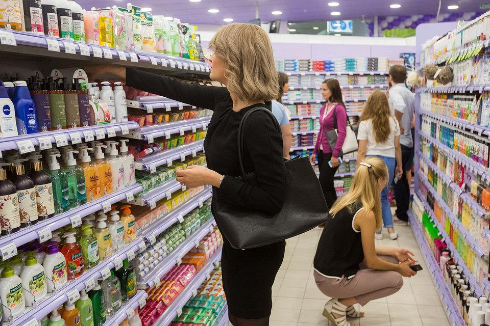 После полутора лет спада потребление домохозяйств в ближайшее время наконец-то начнет расти, прогнозируют аналитики Центробанка