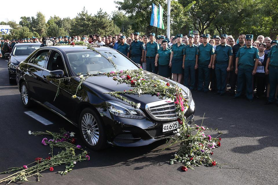 Каримова похоронили в Самарканде