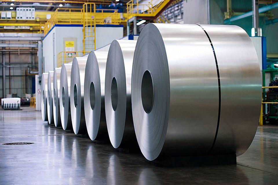 В 2015 г. в Европу больше всех поставил холоднокатаного проката НЛМК (350 000 т), его конкуренты – «Северсталь» (200 000–250 000 т) и ММК (около 100 000 т), рассказывали источники, близкие к компаниям