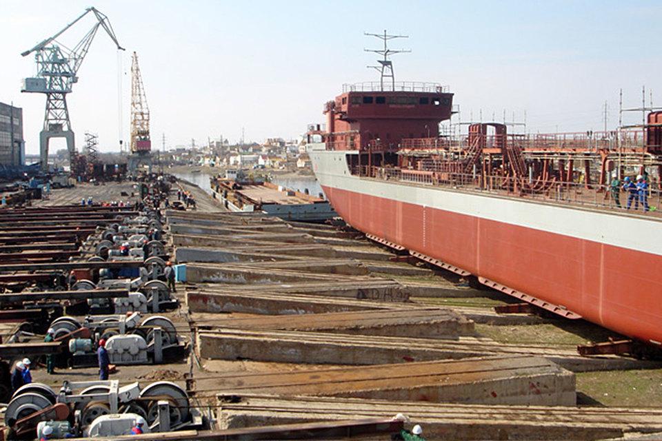 В 2015 г. выручка «Красных баррикад» по РСБУ снизилась на 44,3% до 2,2 млрд руб., а чистая прибыль – в 2,1 раза до 39,3 млн руб.