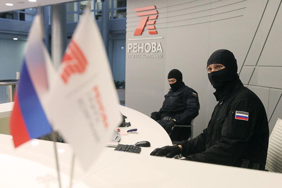 В офисах «Реновы» и «Т плюс» проходят обыски