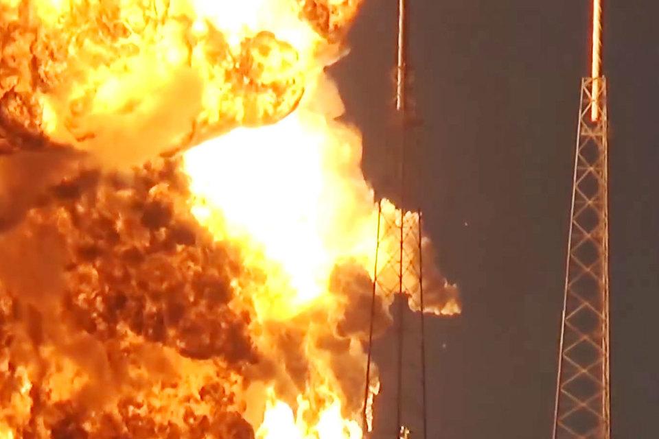 На выходных SpaceX заявила, что начала тщательное расследование с целью выяснить причины взрыва и способы их устранения