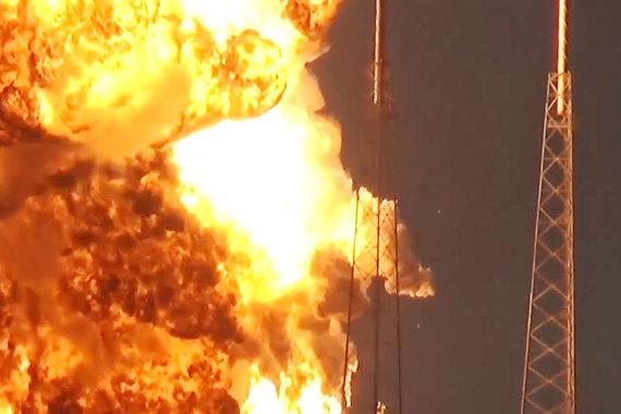 normal 1hmj Взрыв ракеты SpaceX угрожает планам NASA