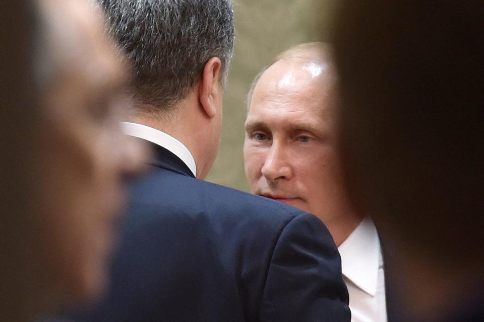 Путин «давно не общался» с Порошенко