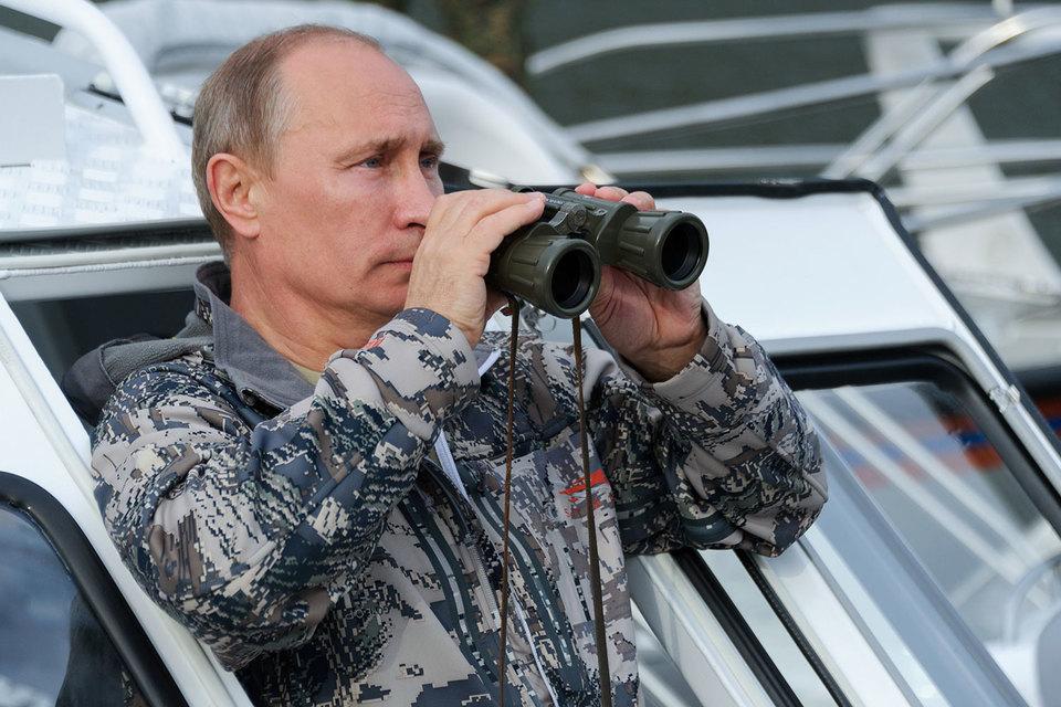 Путин потребовал к 2020 г. обеспечить диверсификацию продукции ОПК