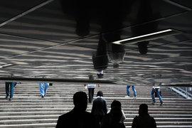 Хотя формирование накопительных пенсий заморожено, граждане продолжают переходить к новым управляющим