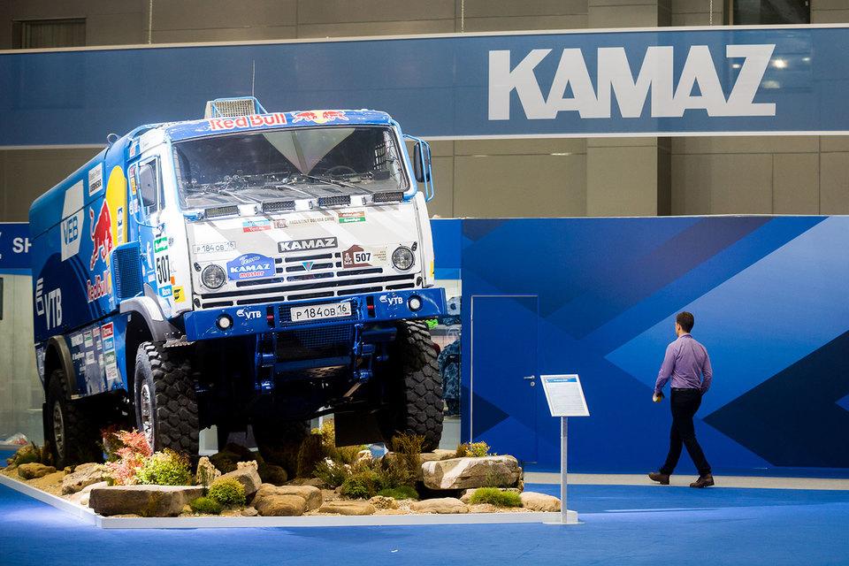 «Камаз» благодаря росту рынка грузовиков увеличил план собственных продаж в 2016 г. и отказался от продления режима неполной рабочей недели