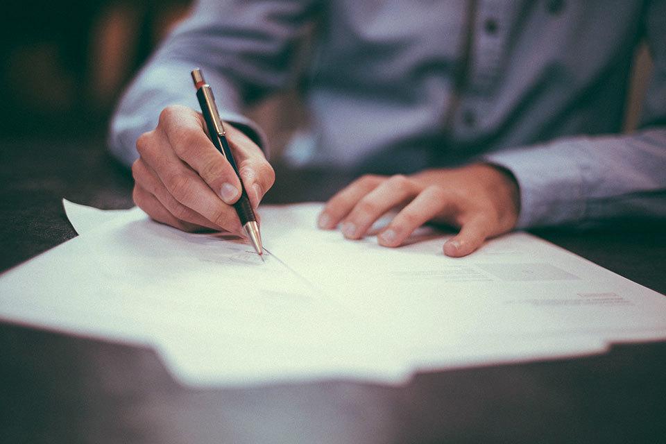 Хорошее эссе – короткое вступительное сочинение на заданную тему – повышает шансы абитуриентов поступить в бизнес-школы