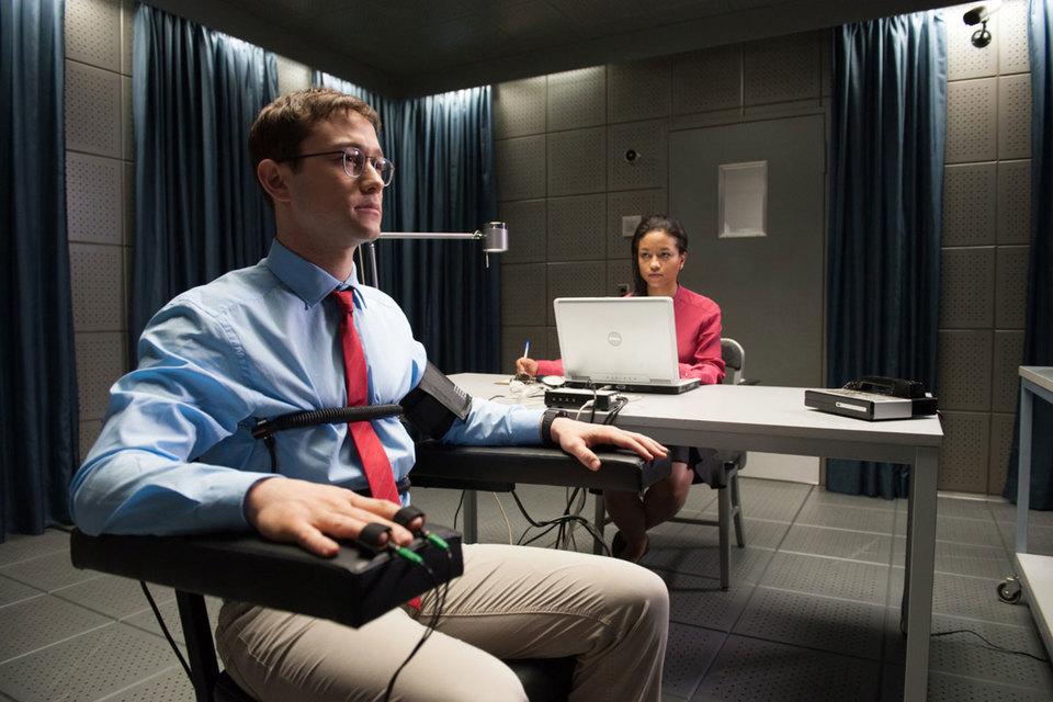 Эдвард Сноуден действительно любит Америку, это подтверждает и детектор лжи