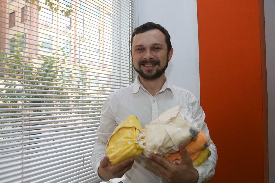 Павел Рассудов перебрал десятки фабрик, прежде чем нашел нужную ткань