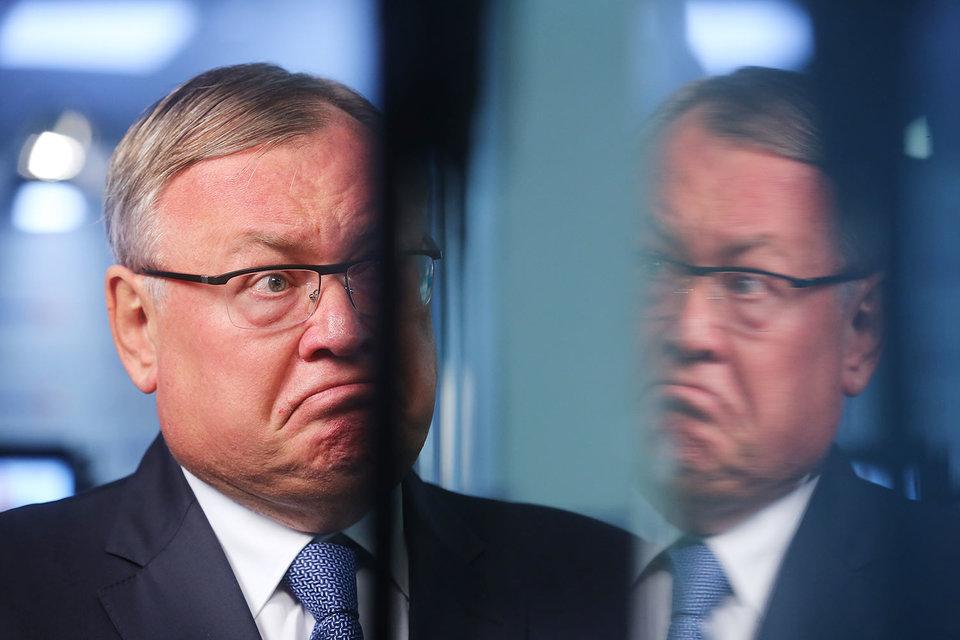 Структуры ВТБ (на фото президент банка Андрей Костин) думали, что торговали между собой по всем правилам