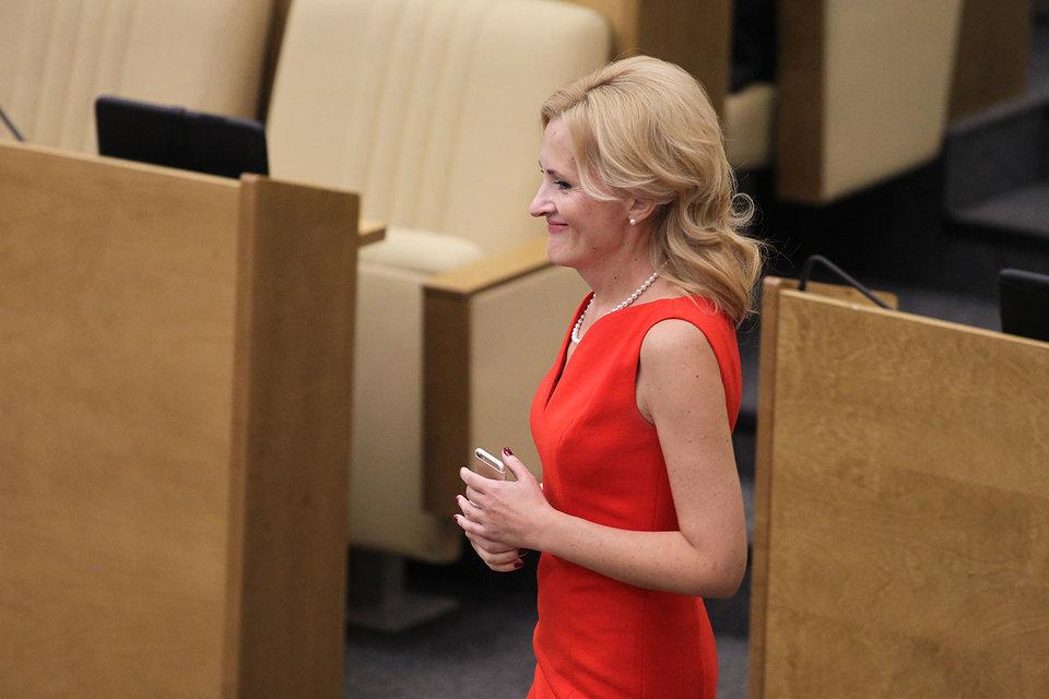 Ключевой думский комитет по конституционному законодательству может возглавить Ирина Яровая (на фото) или Наталья Поклонская
