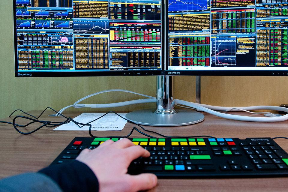 Российский рынок поддержала политика мировых центробанков