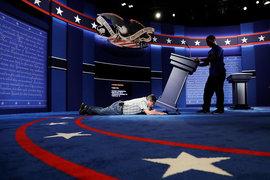 Техники готовят сцену для дебатов