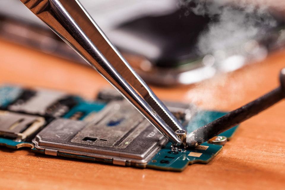 Шифровальных средств, встроенных в мобильные устройства, может оказаться недостаточно для защиты интернет-банкинга