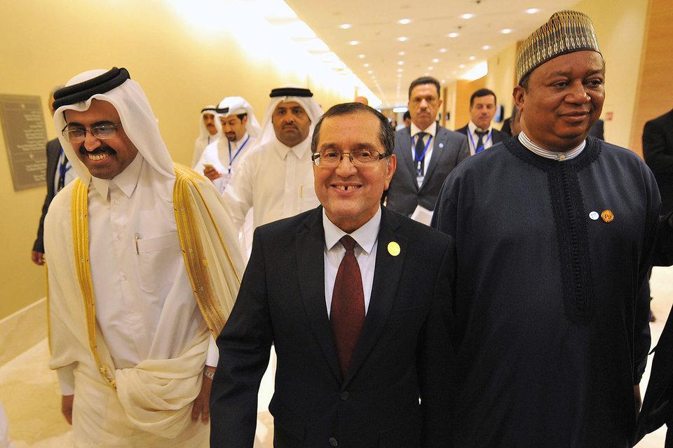 Министр энергетики Катара Мухаммед бен Салех ас-Сада, министр энергетики Алжира Нуреддин Бутерфа и и.о. генсекретаря ОПЕК Мухаммед Баркиндо
