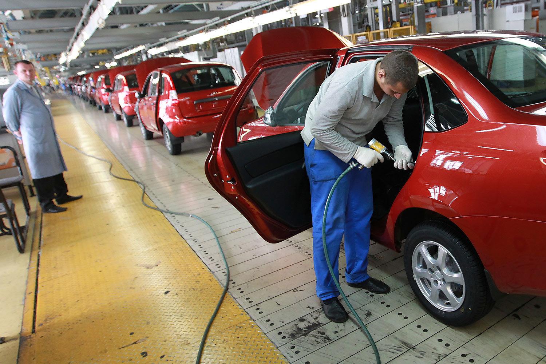 Смотреть АвтоВАЗ инвестирует в новые модели 100 млрд рублей видео