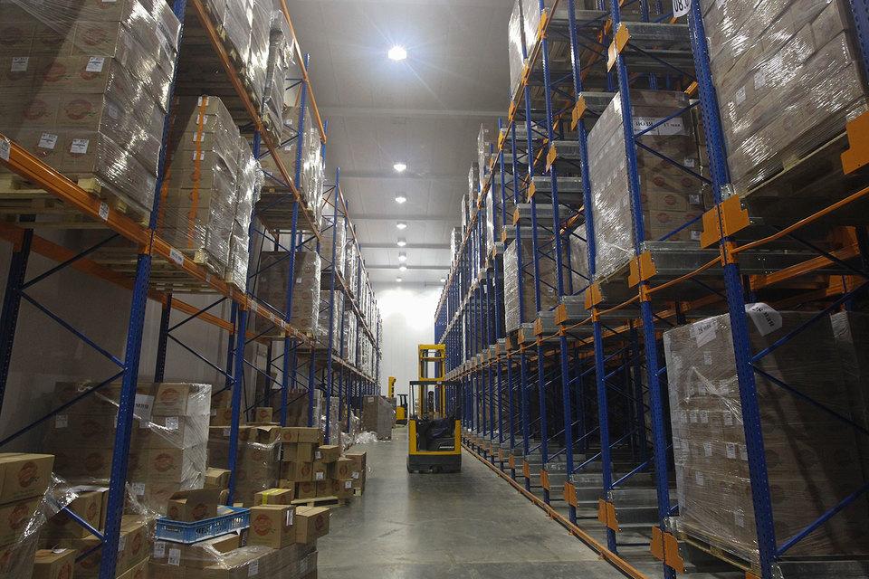 Новые склады сейчас почти не строятся, поэтому спрос на них растет