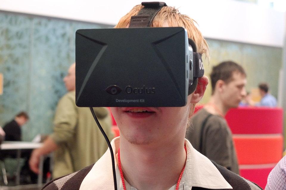 Oculus, впервые после запуска очков Rift собравшая на этой неделе своих разработчиков, вынуждена бороться как с конкурентами – HTC и Sony, – так и с серией досадных ошибок