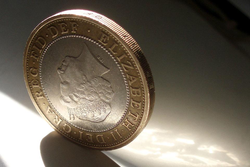 Валютный рынок оценил перспективы «жесткого Brexit»: фунт подешевел до нового 31-летнего минимума, а хедж-фонды играют на его дальнейшее падение
