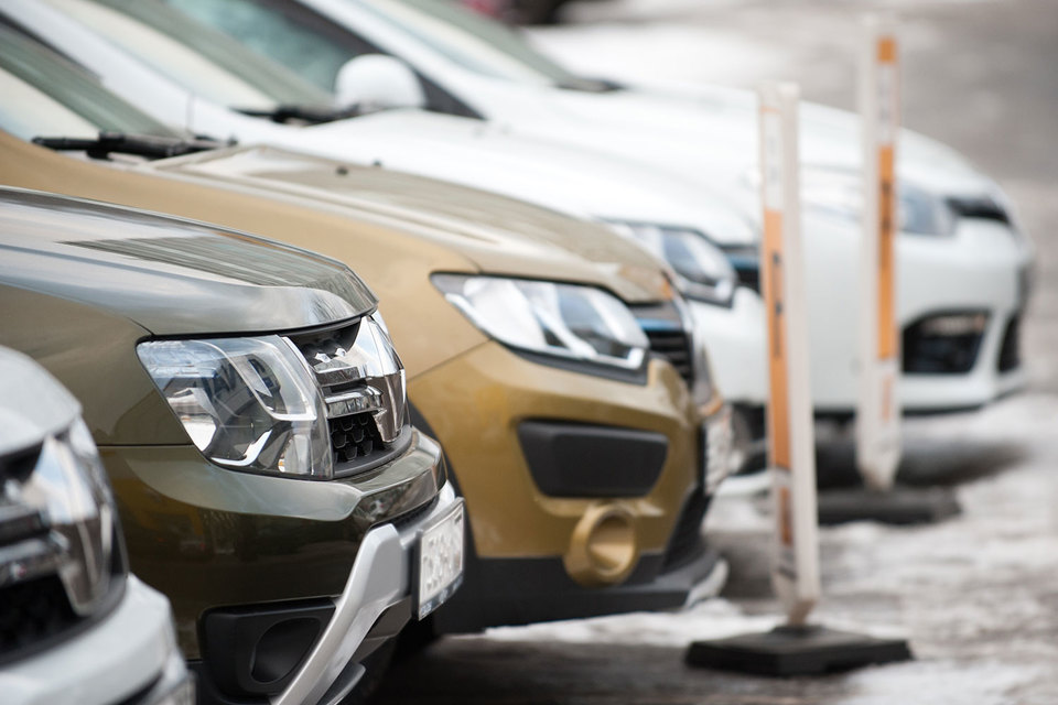 Продажи автомобилей в России в сентябре снизились на 11%