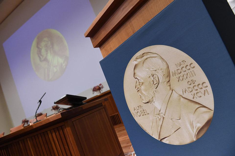 Нобелевская премия за вклад в теорию контрактов вручается уже не первый раз