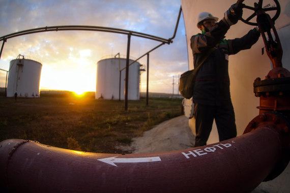 Доказанные запасы нефти (на 31 декабря 2015 г., по стандартам PRMS) – 324,5 млн т. Ресурсная база компании расположена в трех основных нефтедобывающих регионах: Волго-Уральская провинция, Тимано-Печора, Западная Сибирь