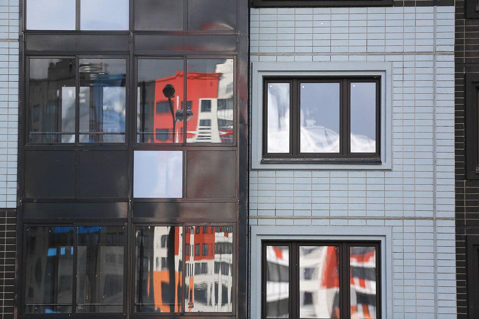 По данным Росреестра, количество сделок купли-продажи квартир в Москве увеличивается год к году, а по сравнению с предыдущим кварталом падает