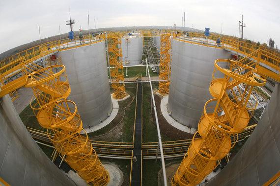 В 2015 г. уфимский нефтеперерабатывающий комплекс «Башнефти» переработал 19,1 млн т нефти (на 11,7 % меньше, чем в 2014 г.). При этом выработка автобензинов и дизельного топлива осталась на уровне 2014 г. Среднесуточный объем переработки - 52 400 т/сутки