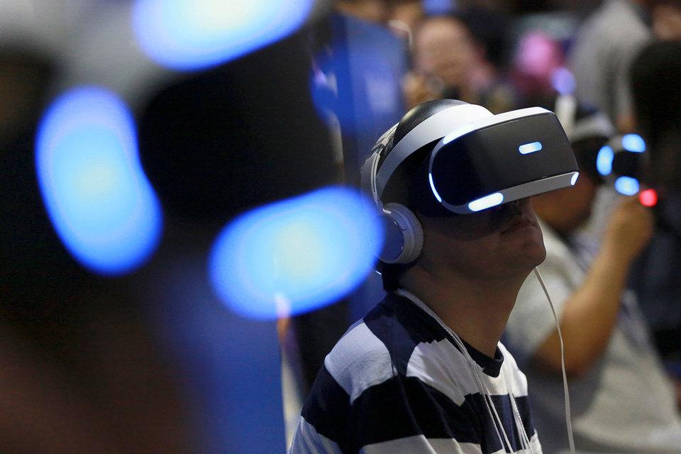 Чтобы исправить ситуацию, Sony в последние четыре года фокусируется на разработках в области виртуальной реальности