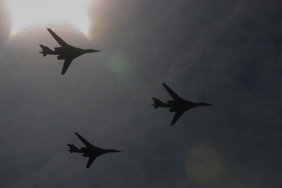 От планов параллельно с созданием ПАК ДА восстановить производство Ту-160 (под обозначением Ту-160М2) Минобороны также не отказывается