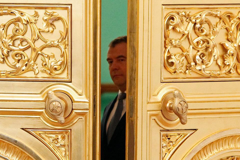 Премьеру Дмитрию Медведеву покажут проблемы иностранцев