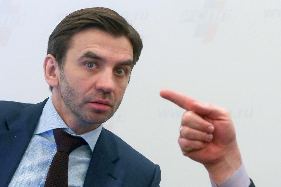 Министр Михаил Абызов обещает рассмотреть петицию против пакета Яровой