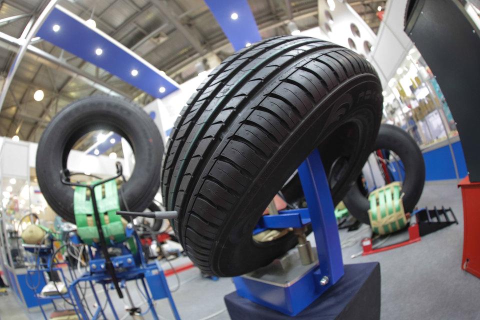 В пятницу Госдума должна одобрить в первом чтении законопроект о повышении штрафов за использование летних автомобильных шин зимой и шипованной резины летом