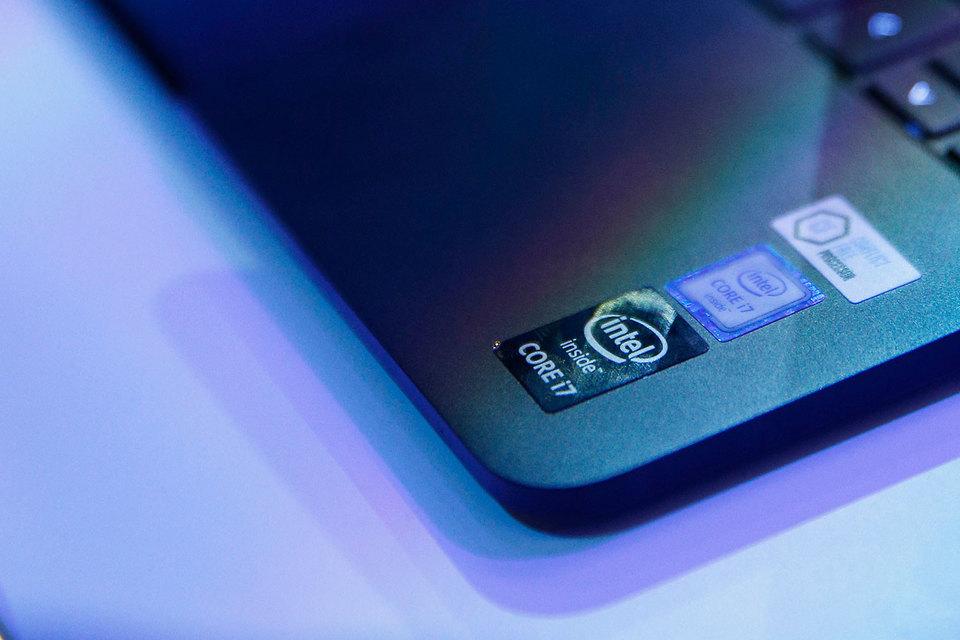 Акции Intel растут благодаря хорошим результатам на рынке персональных компьютеров (ПК). Однако будущий рост компании зависит от рынка облаков