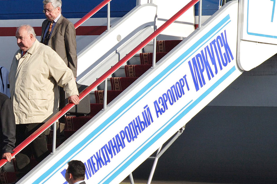 Вопреки соглашению с Минтрансом и требованию ФАС правительство Иркутской области хочет без конкурса отдать свой аэропорт инвестору