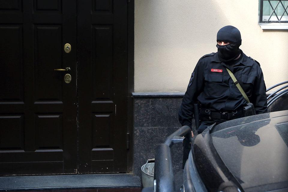 Контрольно-надзорная деятельность недостаточно эффективна, коррумпирована и громоздка, заявил Медведев