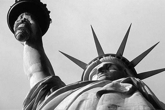 normal 1fe8 Статуя Свободы отмечает 130 лет