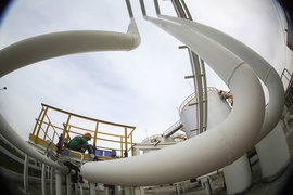 «Роснефть» обратилась в ФАС за разрешением на выкуп 100% акций «Башнефти», «поскольку это автоматически дает право на выкуп и любой меньшей доли», сказал представитель «Роснефти»