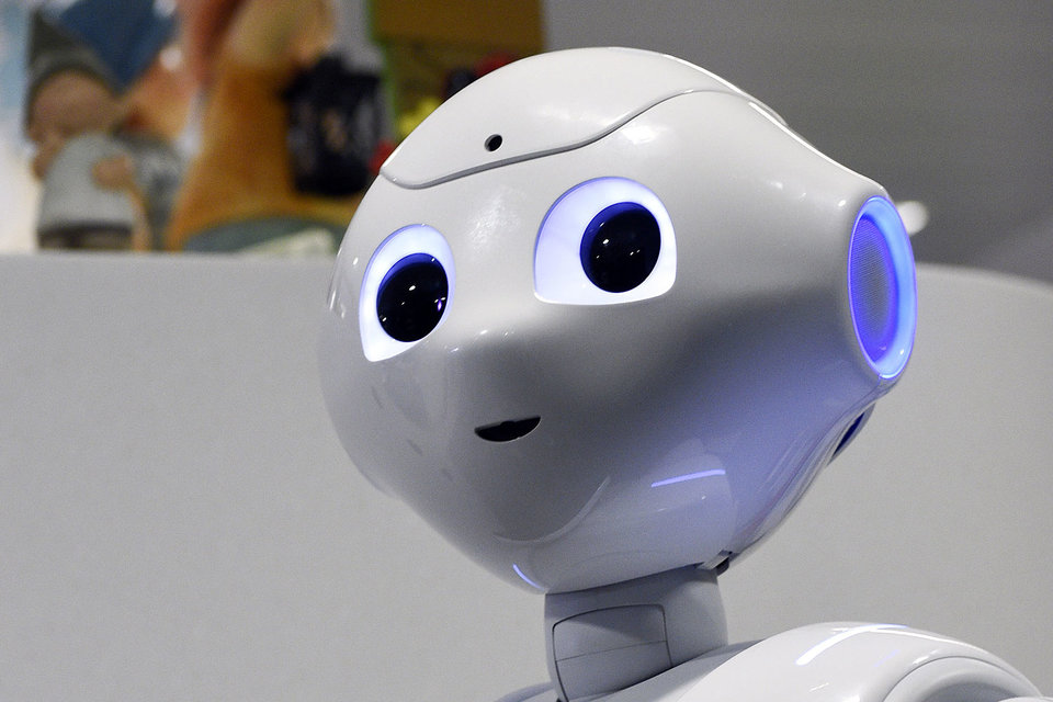 Робот Pepper поддержит веселье, а если хозяин расстроен – попытается утешить