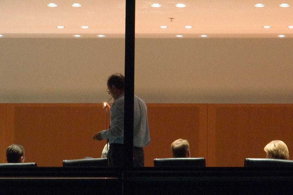 В крупнейших компаниях США пожилые генеральные директора сейчас дольше задерживаются на своих позициях, чем шесть лет назад, обнаружила Conference Board